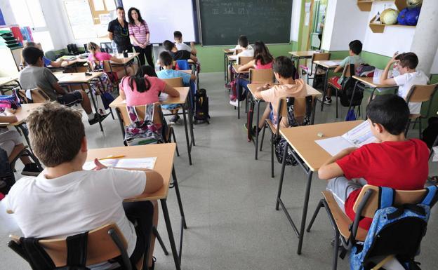 El PSOE exige a la Junta consensuar con la comunidad educativa un protocolo que establezca con claridad los criterios a seguir de cara al inicio del curso escolar